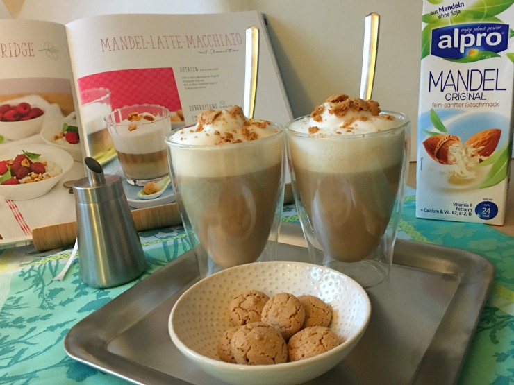 Rezeptbild Bücherkaffee Mandel-Latte-Macchiato
