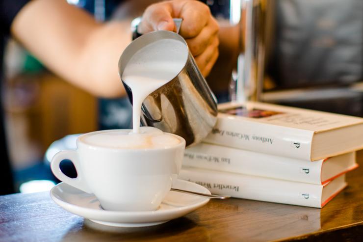Books & Friends - Büchertreff in Bad Rappenau - Alexandra Stiller und Buchhandlung passepartout