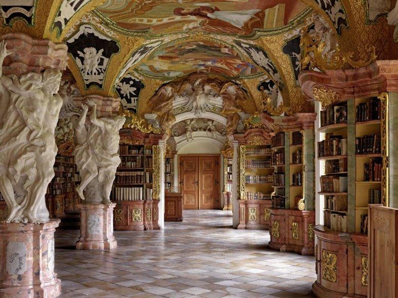 Klosterbibliothek Metten, Metten, Germany | ©: Massimo Listri /TASCHEN