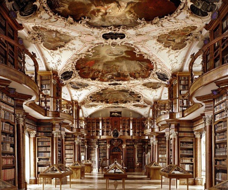 Stiftsbibliothek Sankt Gallen, St. Gallen, Switzerland | ©: Massimo Listri /TASCHEN