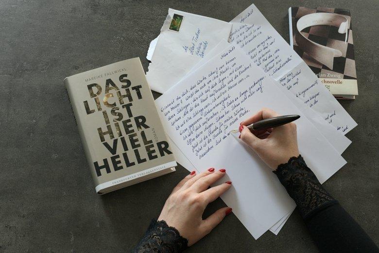 Das Licht ist hier viel heller - Mareike Fallwickl - Bücherkaffee Literaturblog