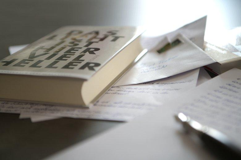 Das Licht ist hier viel heller - Frankfurter Verlagsanstalt - Bücherkaffee Blog