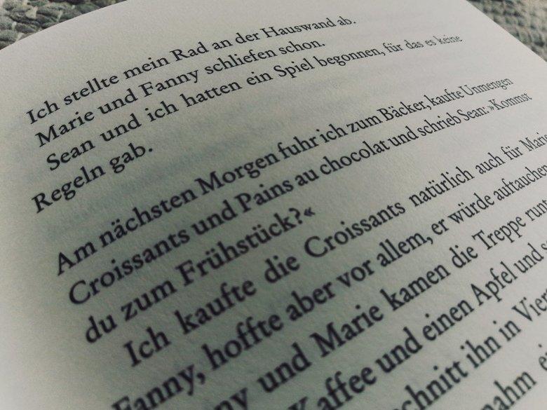 Julia Holbe   Unsere glücklichen Tage   Rezension Buecherkaffee.de