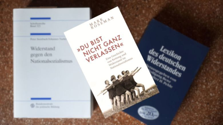 Mark Roseman | »Du bist nicht ganz verlassen« | Rezension BücherKaffee.de